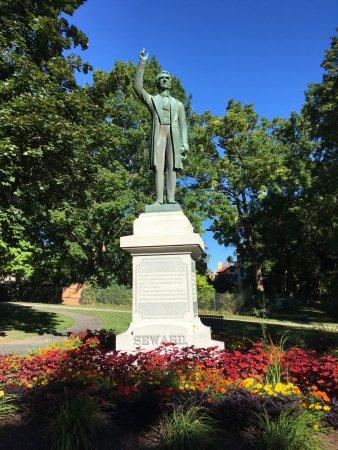 Auburn Photo