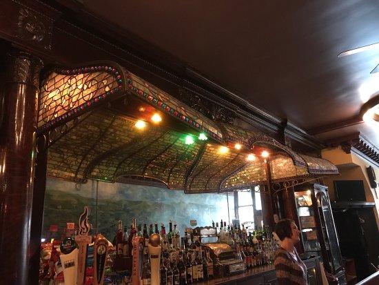 Shute's Bar