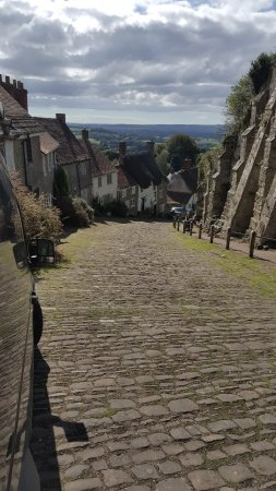 Shaftesbury, UK: Golden Hill from the top