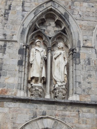 Ypres, Belgique : The royals looking down over the town