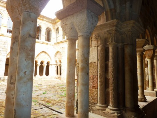 Resultado de imagen de monasterio de aguilar de campoo