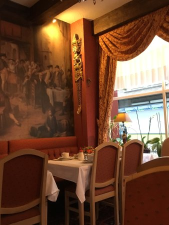 Cardiff Hotel Restaurant Photo