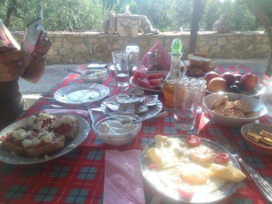 Limni Keri, Grækenland: Colazione greca