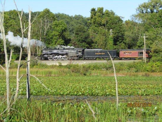 Brecksville, OH: Cool old steam engine running this weekend!