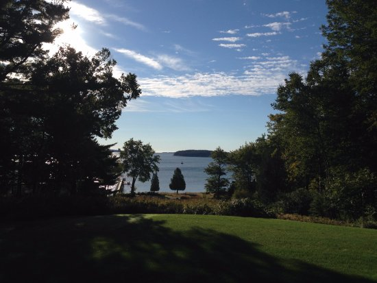 Southwest Harbor, ME: This is the view that greets you at The Birches.