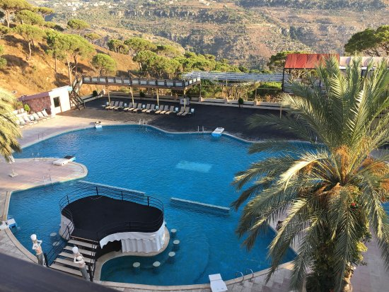 Pineland Hotel and Health Resort: Pool view room.