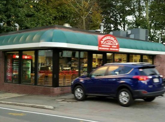 Braintree, MA: Angelina's Pizzaria