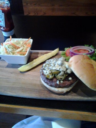 North Andover, Μασαχουσέτη: Burger and slaw on a cutting board