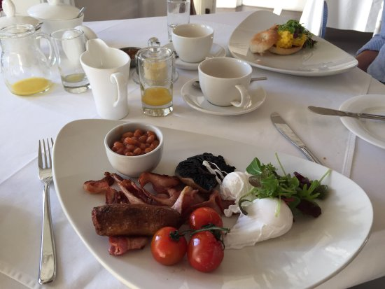 Dock House Boutique Hotel: Breakfast cooked to order at Dock House