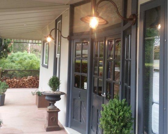 Hepburn Springs, أستراليا: Hotel entry
