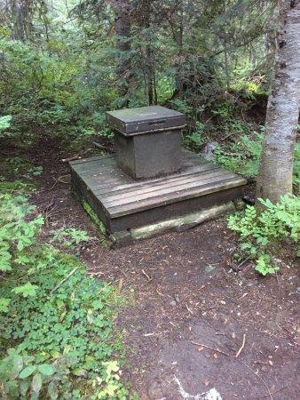 Wonderland Trail : Typical Wonderland back country camp toilet