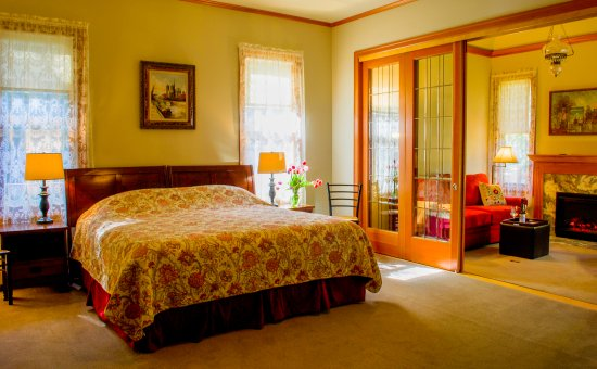 Redmond, WA: The new Chelan 2 room suite