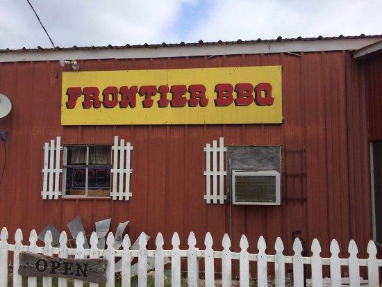 Edna, TX: Front of restaurant
