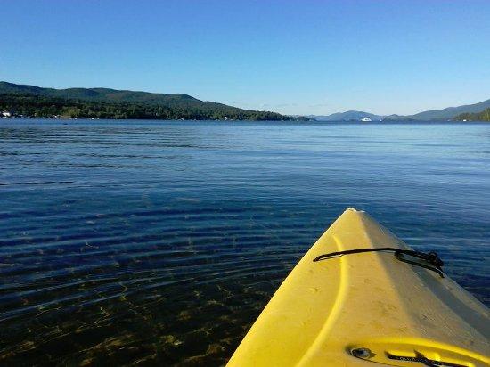 O'Sullivan's On The Lake Motel: nice afternoon for kayaking!