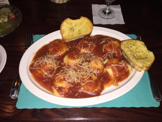 Schuylkill Haven, Pensylwania: A nice sized serving of Ravioli