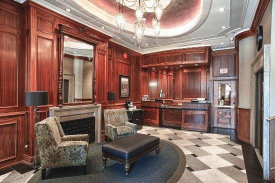 The Strathcona Hotel: Hotel Lobby