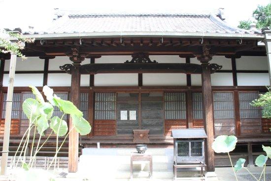 Kawanishi, Giappone: 本堂も静かです