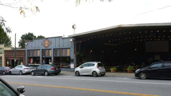 Asheville Pizza & Brewing Co.: 20160927_175400_large.jpg