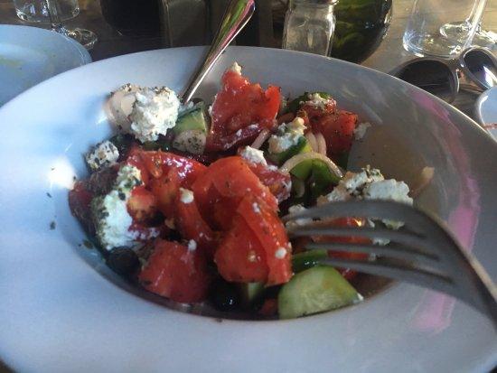Milia, Grécia: Insalata greca...buona ma c'è di meglio.