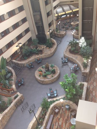 Embassy Suites by Hilton Oklahoma City Will Rogers Airport: View from right outside 6 floor room.