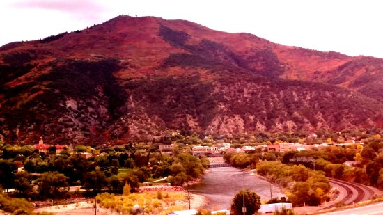 Courtyard Glenwood Springs Photo
