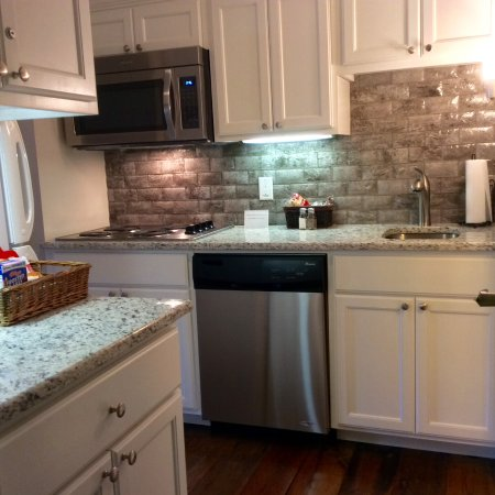 "Andre's Riverview Bed and Breakfast: Newly remodeled Kitchen in the ""River Room"""