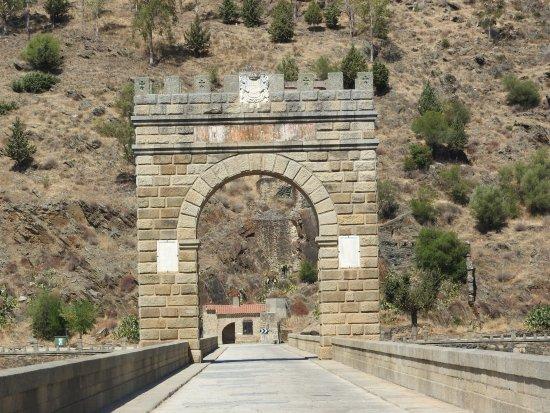 Alcantara, Espanha: O Arco de Trajano: dois milênios de história.