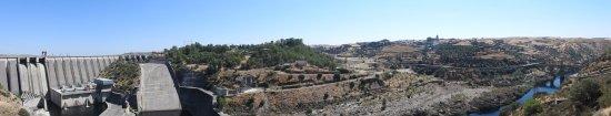 Alcantara, Espanha: A represa, o rio Tejo e a Ponte Romana
