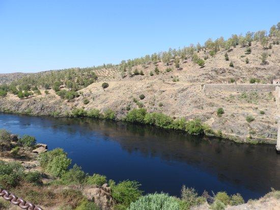 Alcantara, Espanha: A beleza do rio Tejo nas montanhas