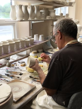 Belleek, UK: Finishing done after the cups come out of the molds.