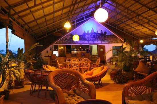Firefly Guesthouse- The Berlin Angkor: Terrace