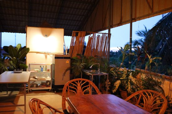 Firefly Guesthouse- The Berlin Angkor: Shared kitchen