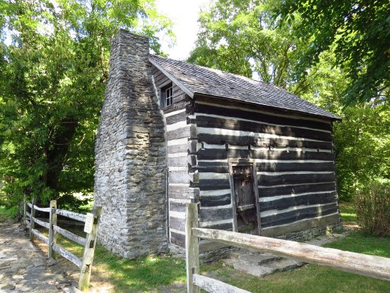 Maysville, KY: Cabin made from wood of flatboat, where 12 children were raised.