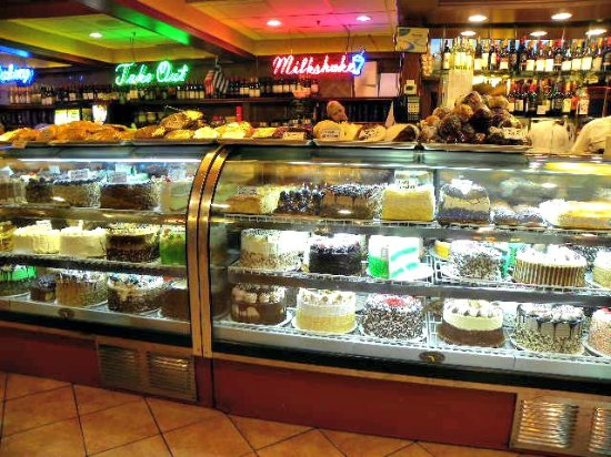 Marietta Diner: Dessert case