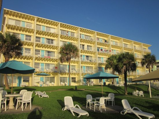 Perry's Ocean Edge Resort: North Tower at 8:00 a.m.
