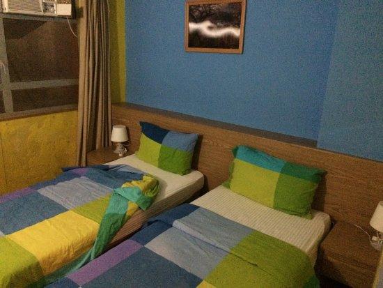 Hong Kong Hostel: Расписание автобуса А 11 от аэропорта до отеля.  Ваша Остановка шугар стрит. И номер