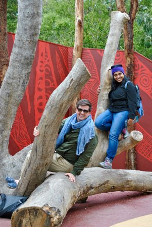 Healesville, Australien: Pree and I trying to pull off our own Koala poses
