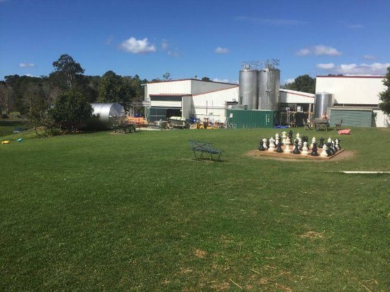 Maleny, Αυστραλία: Great spot to sit and have a picnic at the dairy or play chess