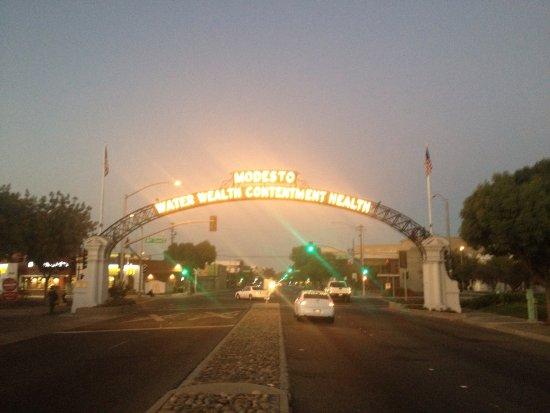 Modesto, Kaliforniya: photo1.jpg