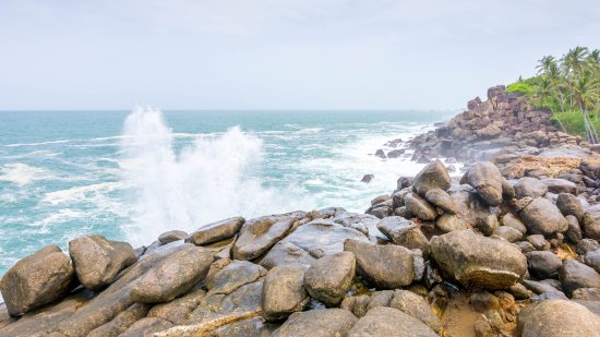Seaview Deepal Villa: beach