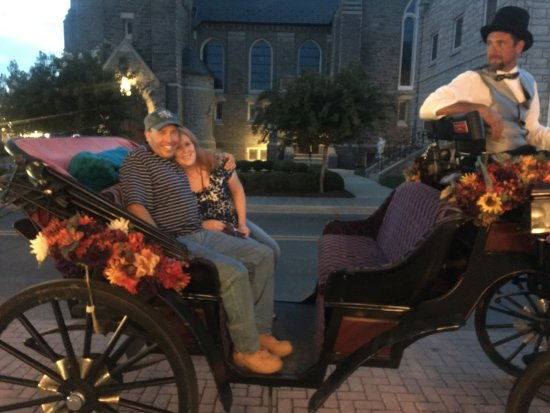 Cape May Carriage Company: Fun Romantic Historic Ride on our Honeymoon