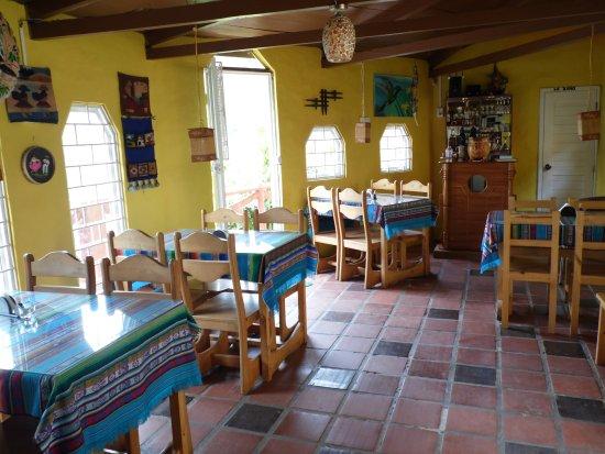 La Casa Amarilla : Restaurante y cateteria