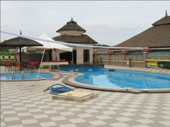 Summit Villas Suites & Apartment