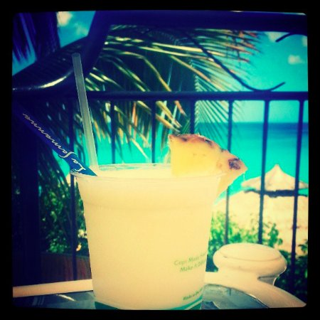 Terres Basses, Sint Maarten: pina colada is a must