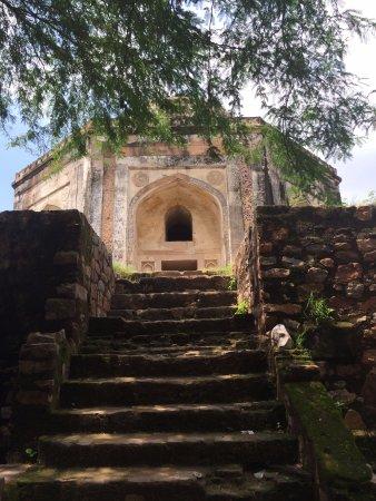 Quli Khan's tomb