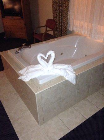 Days Inn & Suites-Mackinaw City-Bridgeview Lodge: photo0.jpg