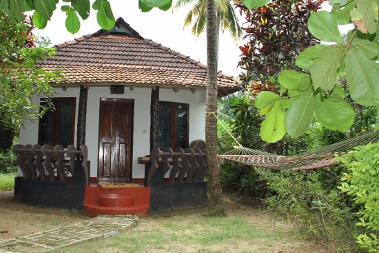 Chendamangalam, India: One of the 6 cottages