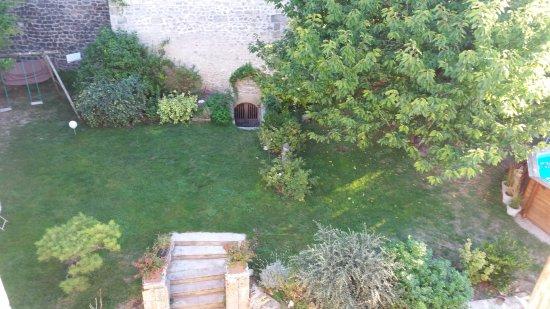Sainte-Maure-de-Touraine, France : Vue de la chambre côté cour