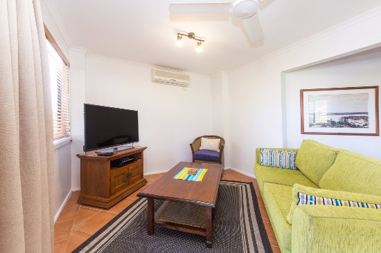 Yamba, Australia: Courtyard Villa 6 - just like Home away from Home