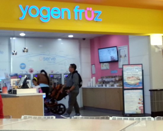 Norridge, IL: Counter for Yogen Fruz